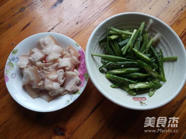 蒜苗回锅肉的家常做法