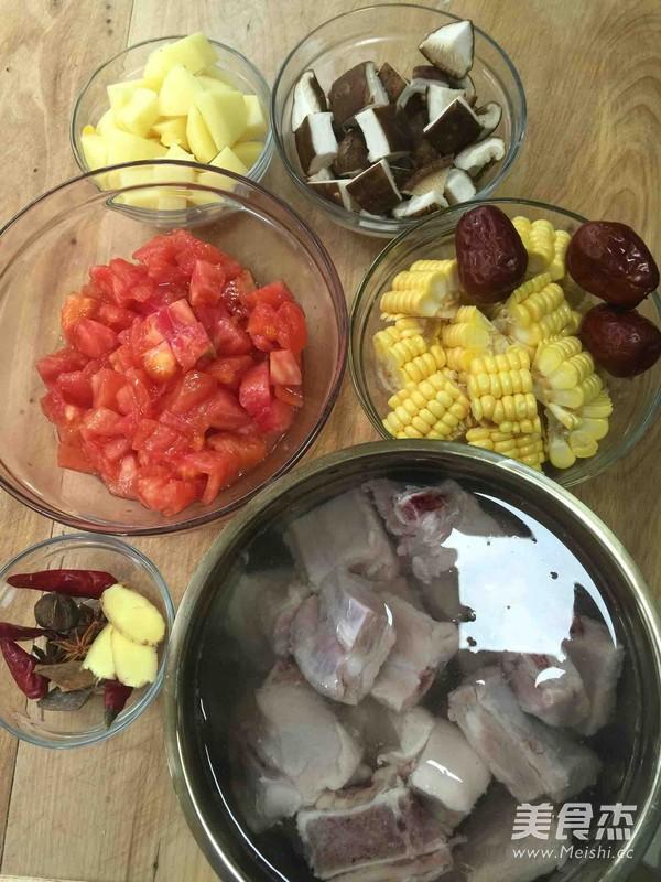 番茄玉米排骨汤的做法大全