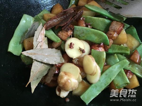 土豆炖油豆角怎么吃
