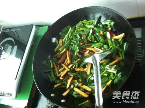 豆腐干炒韭菜怎么吃