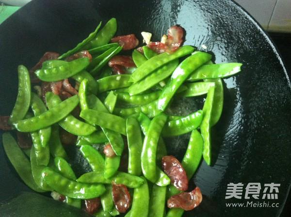 腊肠炒荷兰豆怎么吃