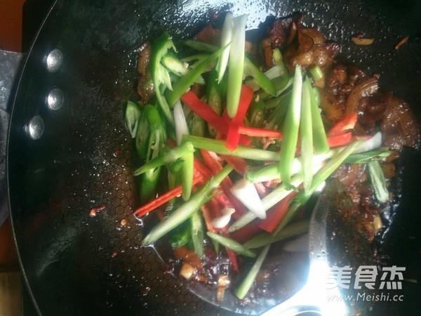 蒜苗青椒回锅肉怎样做