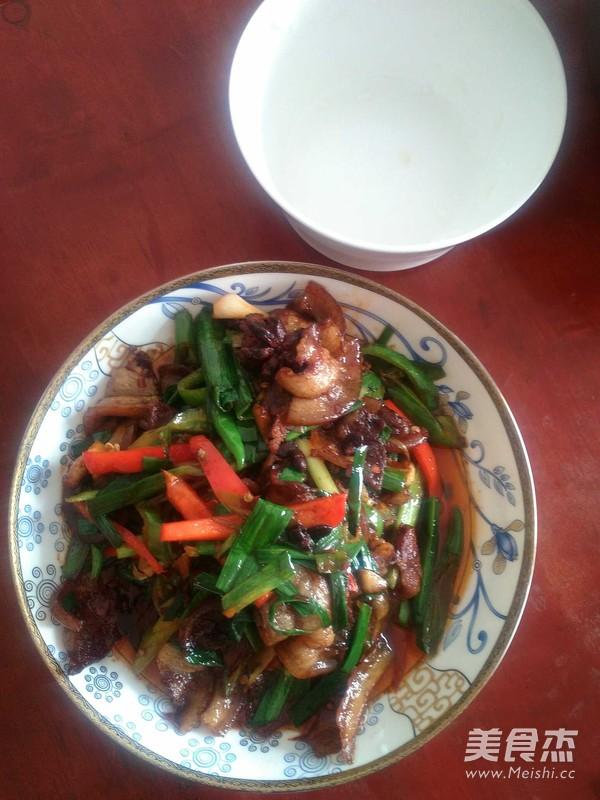 蒜苗青椒回锅肉的制作方法