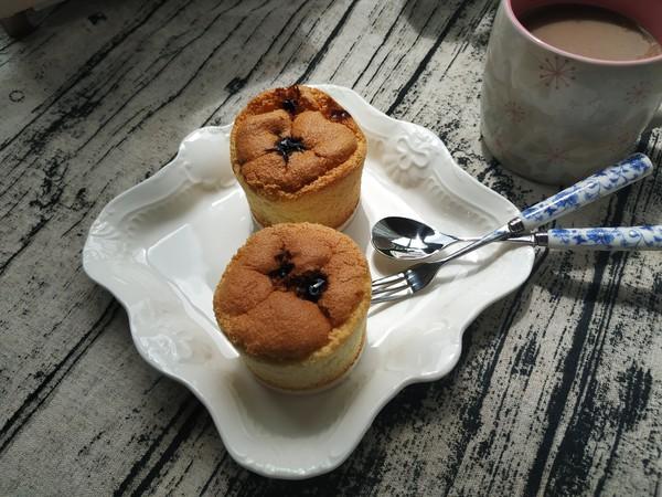 甜甜的草莓杯子蛋糕怎样做