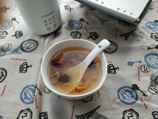 每天喝一碗,皮肤红润有光泽,红枣银耳桃胶桂圆羹成品图