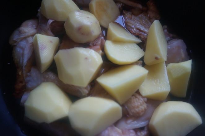 快手的东北炖菜这样做——土豆炖鸡怎么煮
