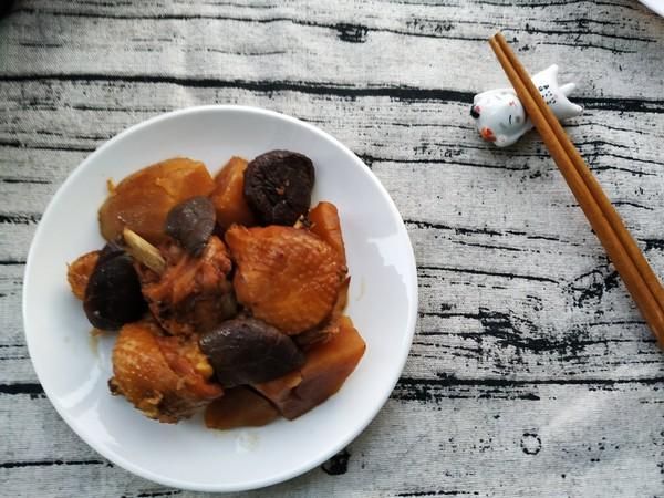 快手的东北炖菜这样做——土豆炖鸡怎样煸