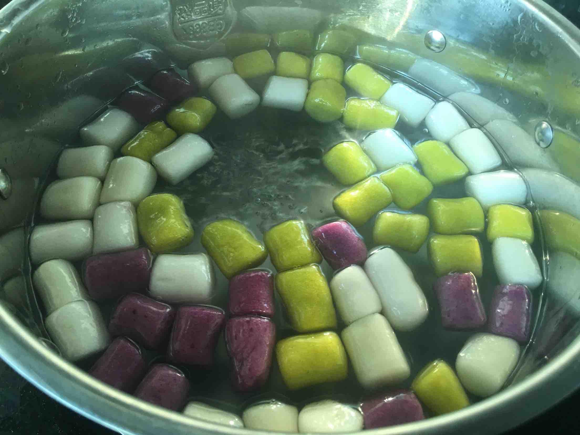 紫薯芋圆,不松散的配方,附上窍门详细比例怎样煸