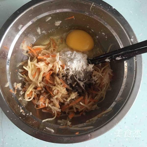 鸟巢鸡蛋饼的家常做法