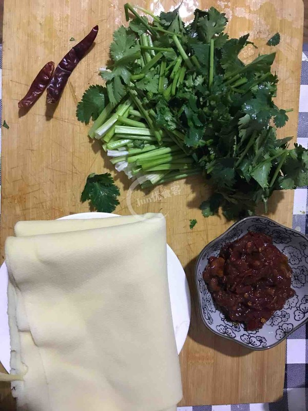 速炒酱香豆腐皮的做法大全