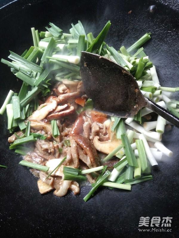 蒜苗炒肉的简单做法