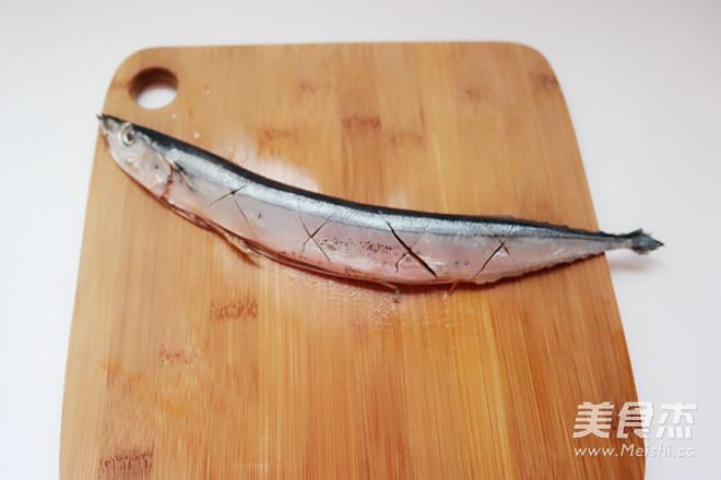 盐煎秋刀鱼的做法图解