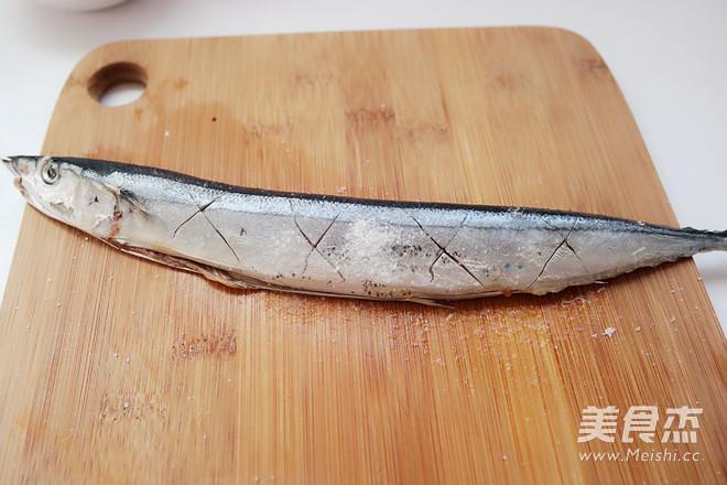 盐煎秋刀鱼的家常做法