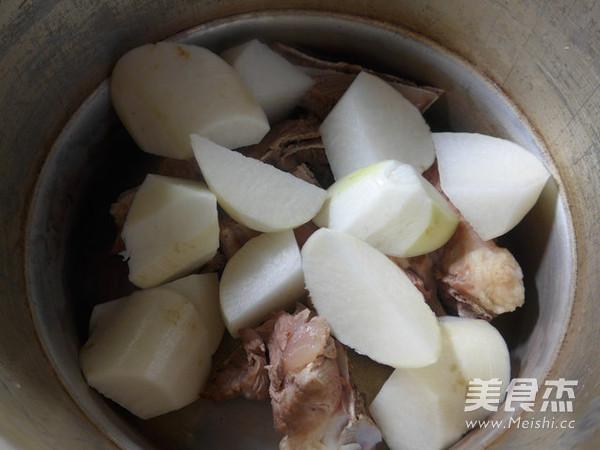 萝卜肉骨汤的简单做法