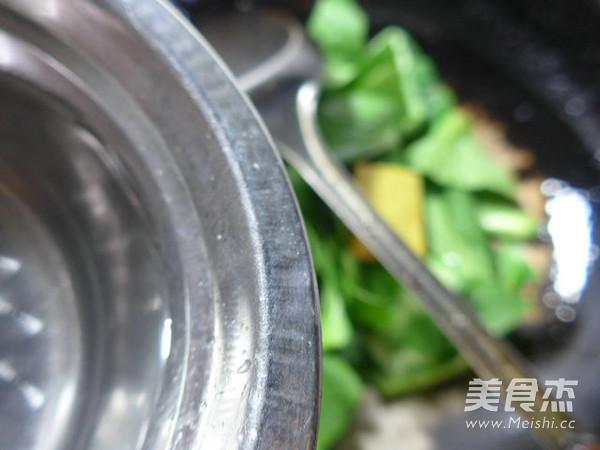 咖喱牛筋炒青菜怎么吃