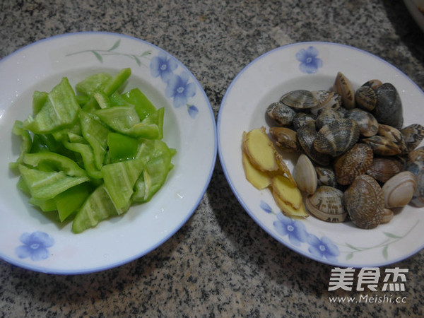 尖椒炒花蛤的步骤