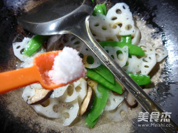 香菇荷兰豆炒莲藕怎么炒
