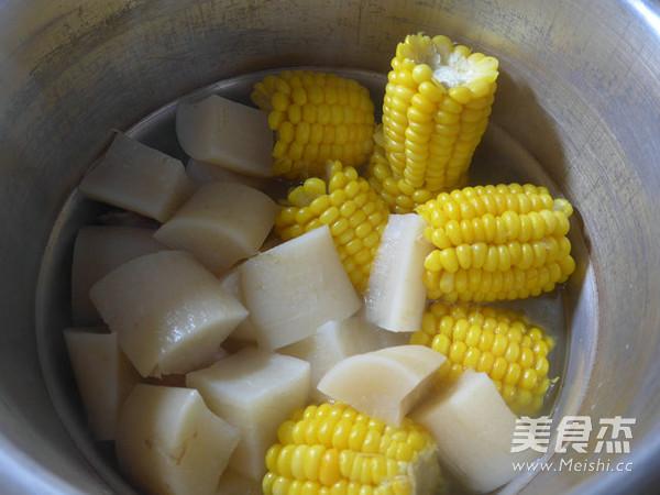 玉米萝卜猪蹄汤怎么炒