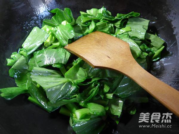 蘑菇炒油菜苔的家常做法