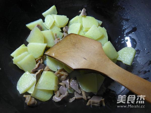 鸡胗炒土豆的简单做法