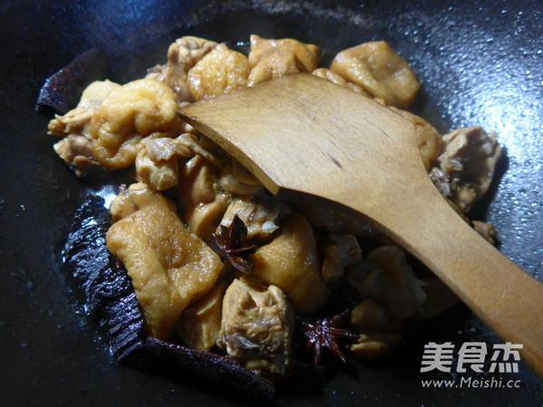 油豆腐烧兔肉怎么煸
