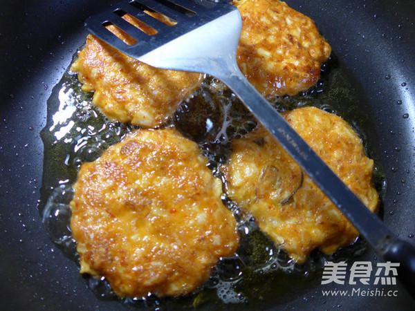 鸡蛋泡菜山药饼怎么煮