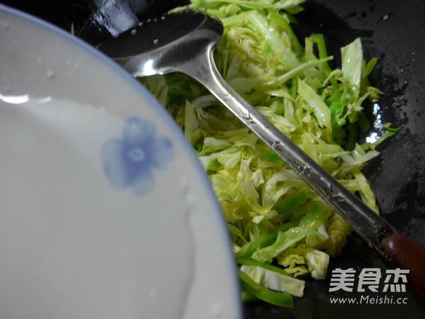 蔬菜鸡蛋炒面怎么煮