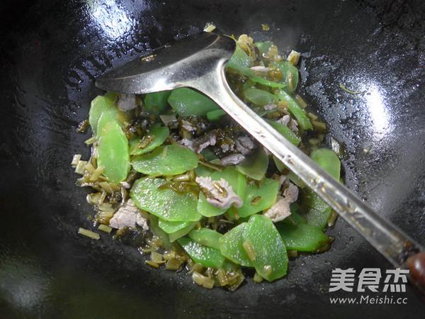 里脊肉雪菜炒莴笋怎么煸