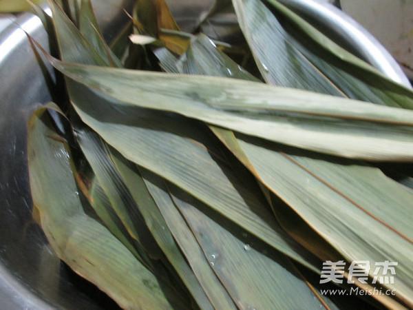 蜜枣红豆糯米粽的家常做法