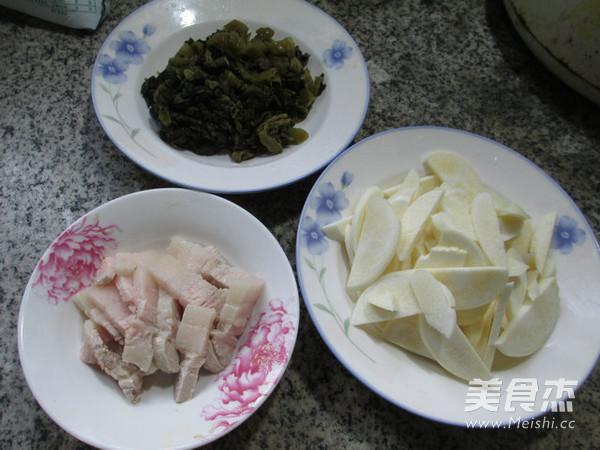 猪肉酸菜炒茭白的做法大全