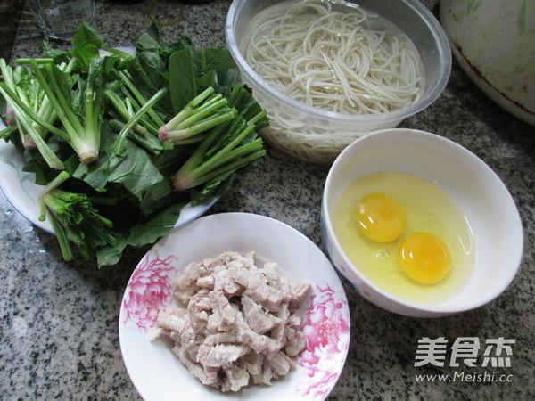 猪肉鸡蛋菠菜炒面的做法大全