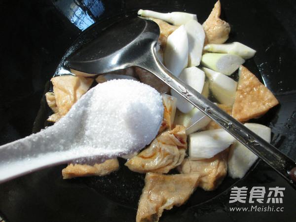 茭白烧豆腐干怎么做