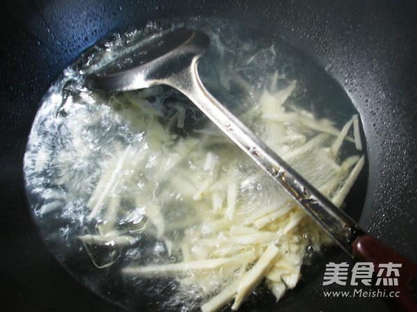 五花肉雪菜冬笋汤的简单做法