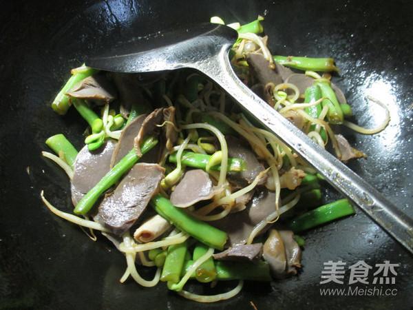 黄豆芽鹅胗炒梅豆怎么炒