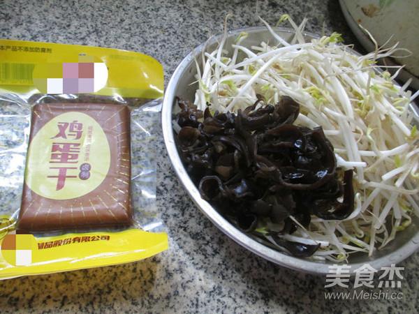 黑木耳鸡蛋干炒绿豆芽的做法大全