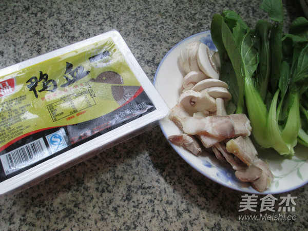 鸡毛菜蘑菇煮鸭血的做法大全