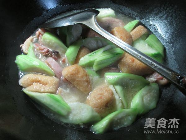 丝瓜油豆腐煮腊鸡腿怎么煸
