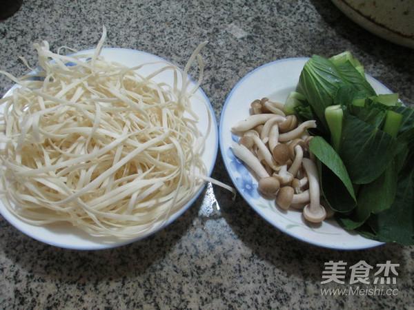 蟹味菇青菜汤面的做法大全