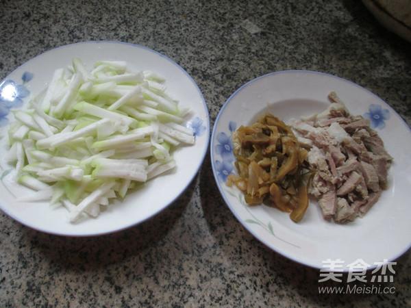榨菜丝肉丝蒲瓜汤的步骤