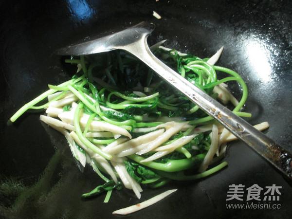 虾酱茭白丝炒鸡毛菜怎么炒