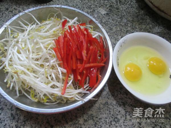 红椒鸡蛋炒绿豆芽的做法大全