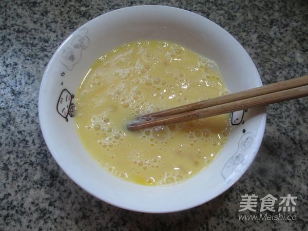 红椒鸡蛋炒绿豆芽的家常做法
