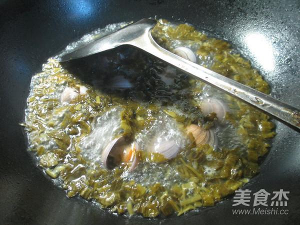 雪菜圆蛤汤怎么吃