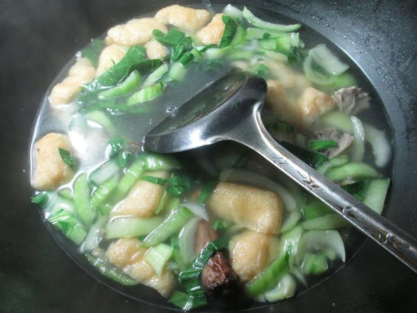 鸭骨油豆腐青菜汤怎么煮