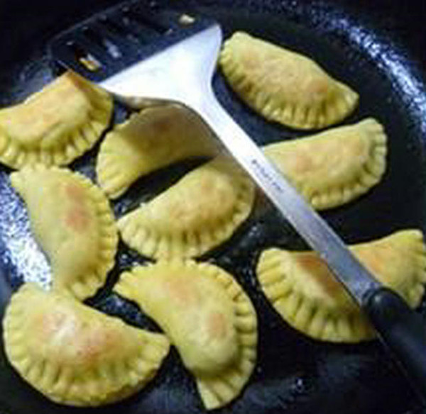 马兰猪肉馅玉米面盒子的制作方法
