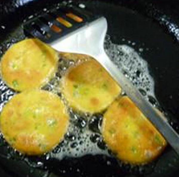 香芹玉米面煎饼怎样做