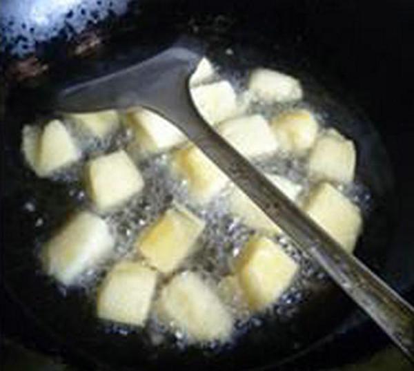 柿子椒烤香肠炒馒头怎么炒