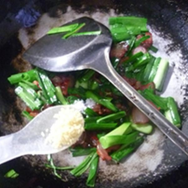 大蒜炒腊肉怎么煮