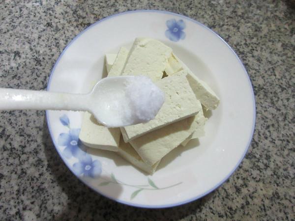 鸡蛋抱老豆腐的家常做法