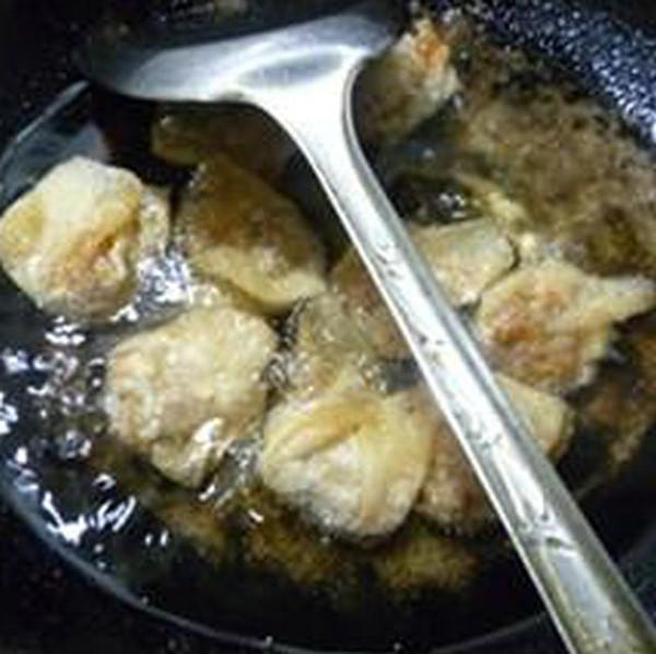 油炸香菇肉馅馄饨怎样炒